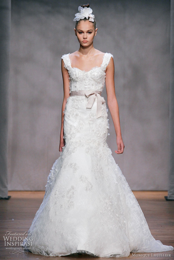 Reese witherspoon s wedding dress wedding engagement noise for Monique lhuillier wedding dress